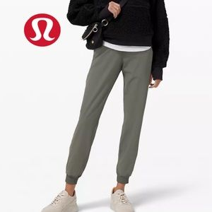 Lululemon New Joggers On the Fly Jogger